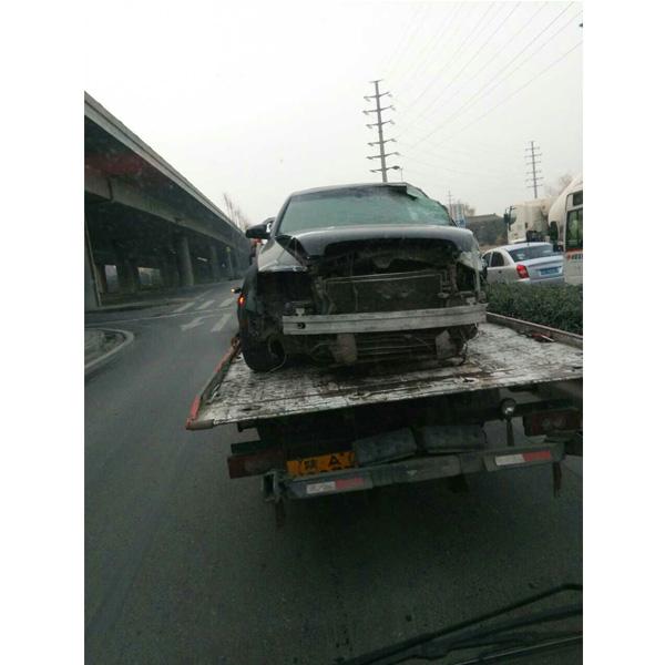 损坏汽车拖车电话