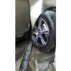 汽车紧急更换备胎电话